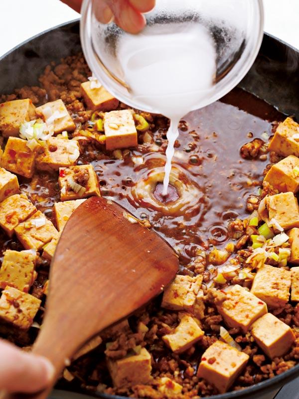 麻婆豆腐の作り方 とろみをつける