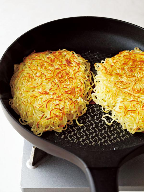 あんかけ焼きそばの作り方 麺を焼きつける