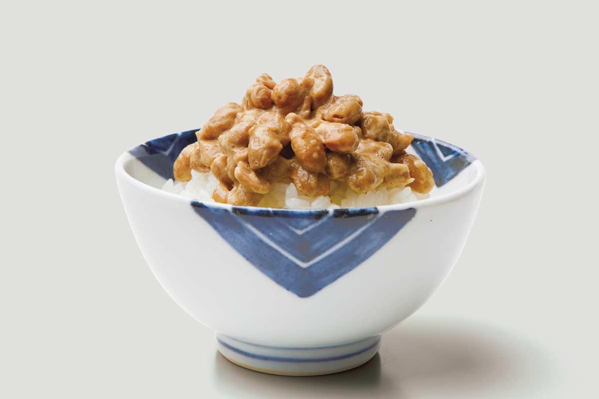 ヤセ菌が増える食材・納豆をのせたご飯