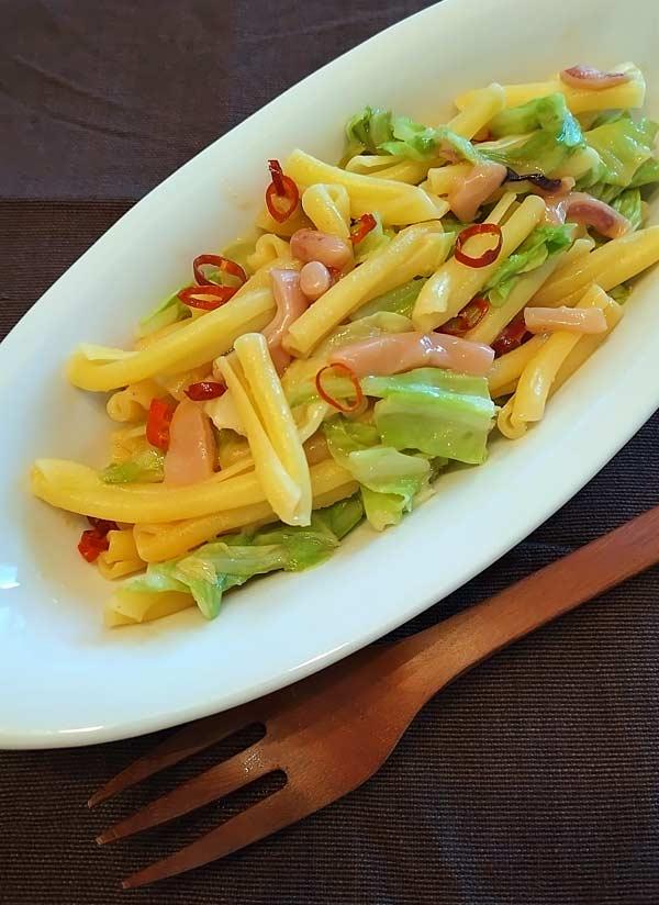 塩辛スパゲティをショートパスタで作り、おつまみ仕様に