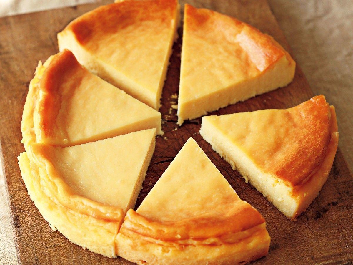 定番のベイクドチーズケーキ