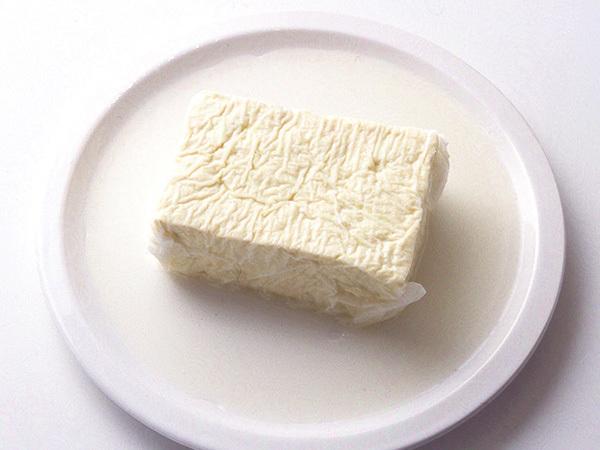 豆腐を電子レンジで水きりする
